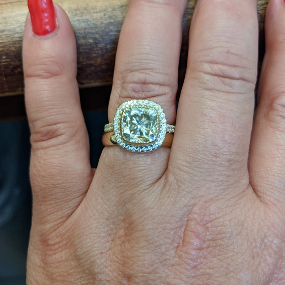 Jewelry - Canary yellow and moissanite wedding set